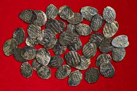 Серебряные копейки 17 века