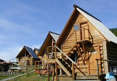 Фото семейной гостиницы Деревенька в Листвянке