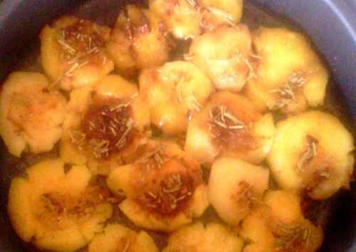 Полить картошку заправкой